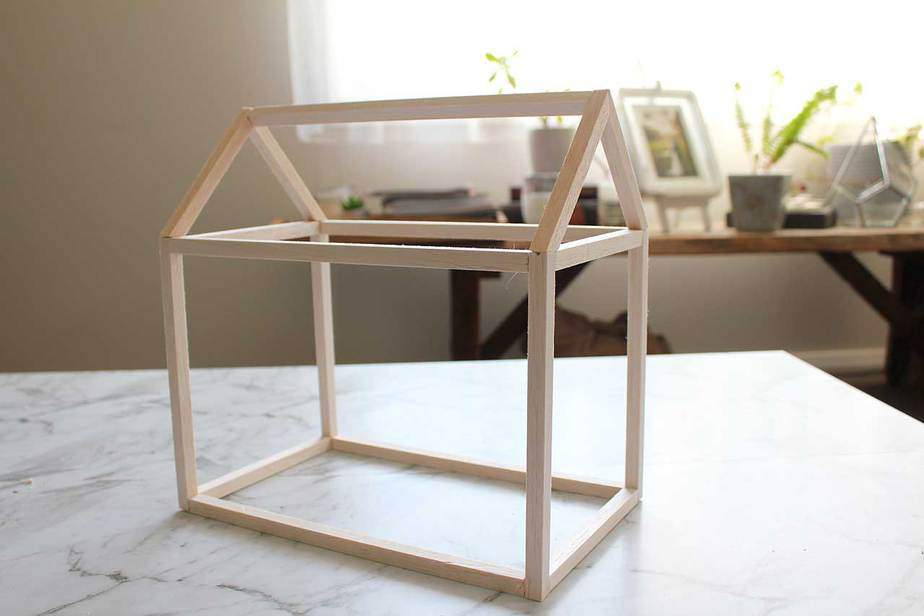 How to Build a Mini Greenhouse DIY Style