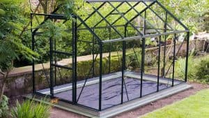 Read more about the article The 3 Best Aluminum Greenhouses in 2021
