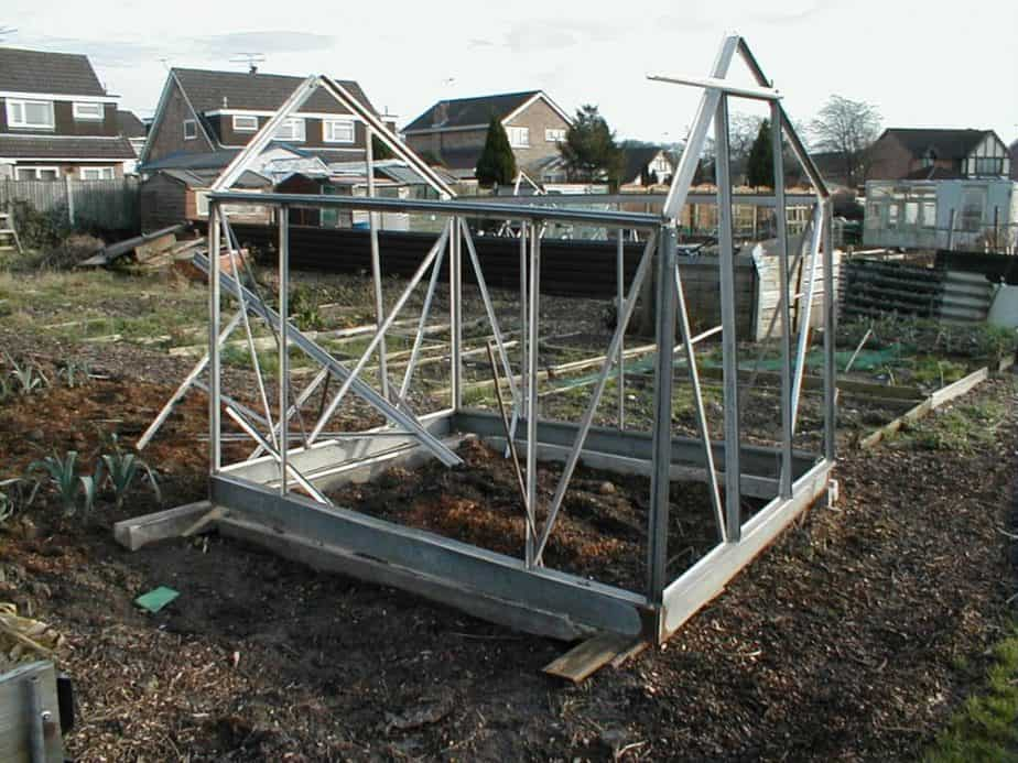Pros and Cons of Aluminum Frames  for greenhouses